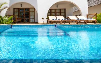 7 Backyard Pool Ideas
